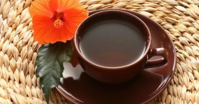 Caffeine-free, hibiscus tea is full of phytonutrients and antioxidants