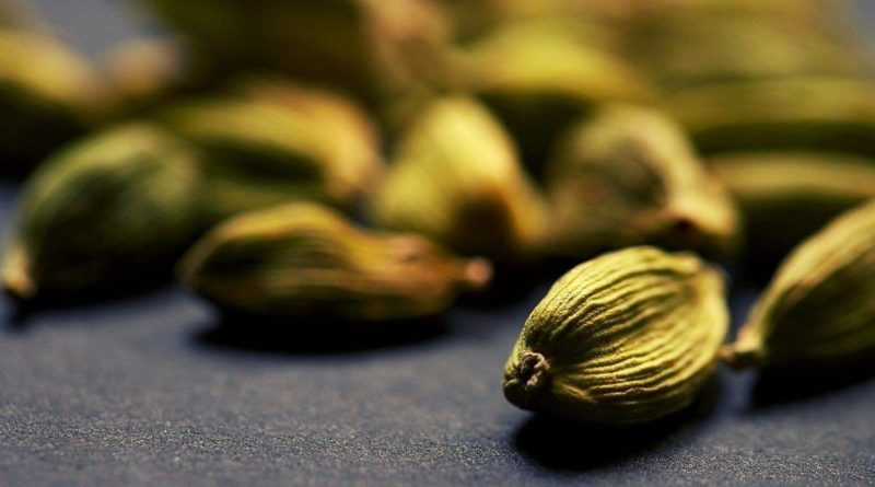 """Cardamom 'Queen of Spices"""" is a goldmine of antioxidant, diuretic, cancer-fighting, anti inflammatory and anti bacterial effect."""