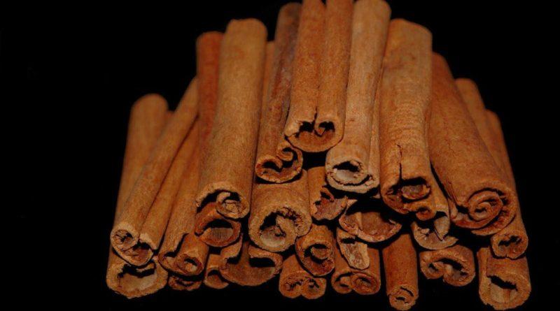 Cinnamon is full of healing antioxidant, anti-carcinogen, antifungal and antibacterial properties. It also has amazing weight loss properties.